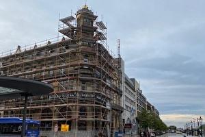 In ere herstelde gevel maakt Amrâth Grand Hotel de l'Empereur weer stralend middelpunt van Stationsplein Maastricht